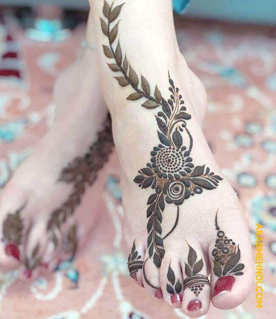 Leg mehndi designs